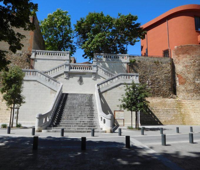 Place Molière - Escaliers Monumentaux - Remparts